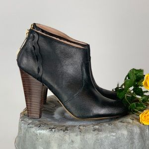 Betsey Johnson Jensen Leather Ankle Boots Size 8